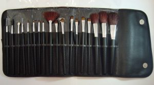 Selección de Brochas maquillaje diseño clásico brochas para comprar On-line – Los Treinta preferidos