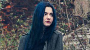 Ya puedes comprar en Internet los tinte de pelo azul oscuro