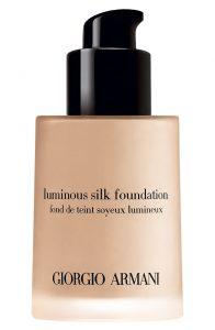 Base maquillaje Giorgio Armani luminosa que puedes comprar on-line