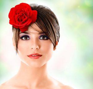 La mejor selección de recogidos de pelo con flores para comprar on-line