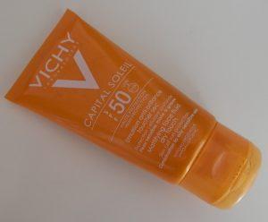 Selección de vichy crema solar con color para comprar en Internet