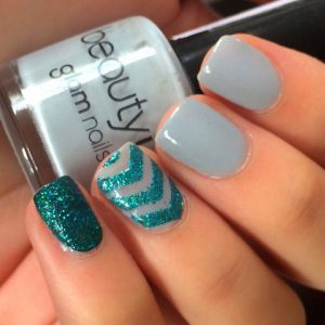 Ya puedes comprar los diseños de uñas cortas faciles – Los Treinta favoritos
