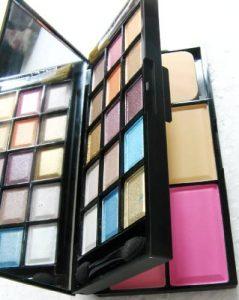 kit de maquillaje profesional mac que puedes comprar en Internet