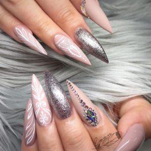 La mejor recopilación de uñas decoradas fotos para comprar en Internet