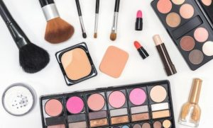 La mejor lista de utensilios de maquillaje para comprar on-line – Favoritos por los clientes