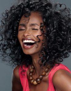 Selección de mascarillas caseras para el cabello rizado para comprar en Internet