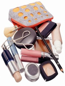 Listado de kit basico de maquillaje para comprar en Internet